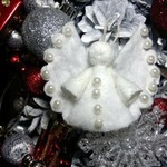 Ангел из ватного диска с бусинками (МК)
