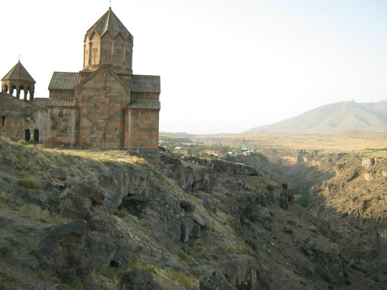 Монастырь Ованаванк над каньоном Касах
