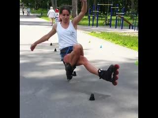 Василиса Маслова - чемпионка мира по фристайл-слалому на роликовых коньках