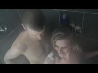 Начали трахаться в душе а закончили на кровати. зрелая домашнее порно секс минет