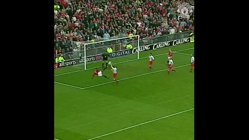 @VanCole9 got on the scoresheet in acrobatic fashion against Watford in 1999!