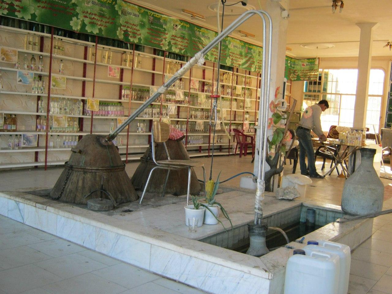 производство Розовой воды в Ниясар