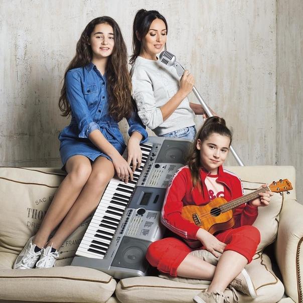 """Алсу дала комментарий о победе дочки на шоу """"Голос"""":"""