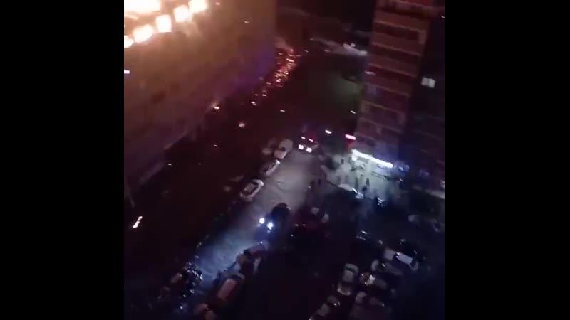 Жилой дом практически целиком горит в Краснодаре площадь пожара уже больше 4 тысяч квадратных метров