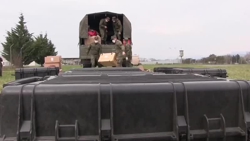 Российские военные вирусологи в окрестностях карантинного города Бергамо на севе