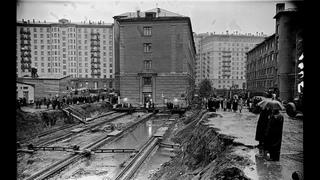 КАК ПЕРЕДВИГАЛИ МНОГОЭТАЖНЫЕ ДОМА В СССР , ПОКА ЖИЛЬЦЫ СПАЛИ - НЕ ОТКЛЮЧАЯ КОММУНИКАЦИИ ?
