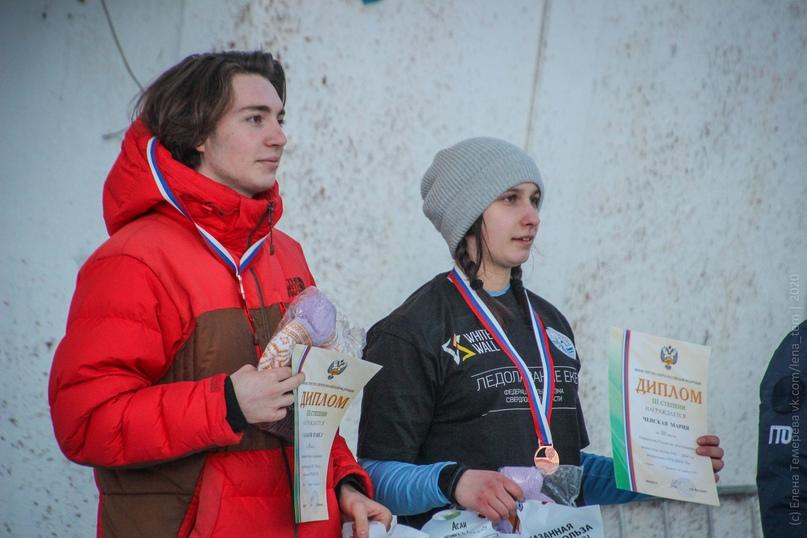 Главные отечественные ледолазные старты сезона финишировали в городе Кирове в минувшие выходные – чемпионат и первенство России по альпинизму. Всем было что доказывать и что терять…, изображение №80