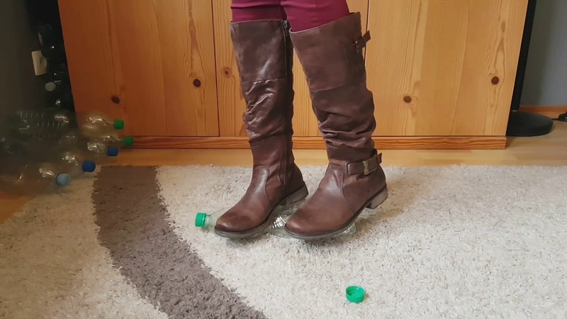 Crush Plastic bootles with my Baretraps brown boots crush fetish ASMR Recycling CRUSHFETISH_8989