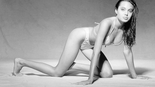 юная Анджелина Джоли (young Angelina Jolie)