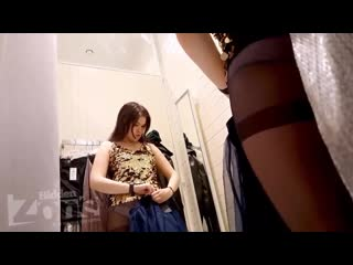 молодая девочка в примерочной ( девочка девушка голая моется раздевается сиськи на камеру русская школьница дочь)