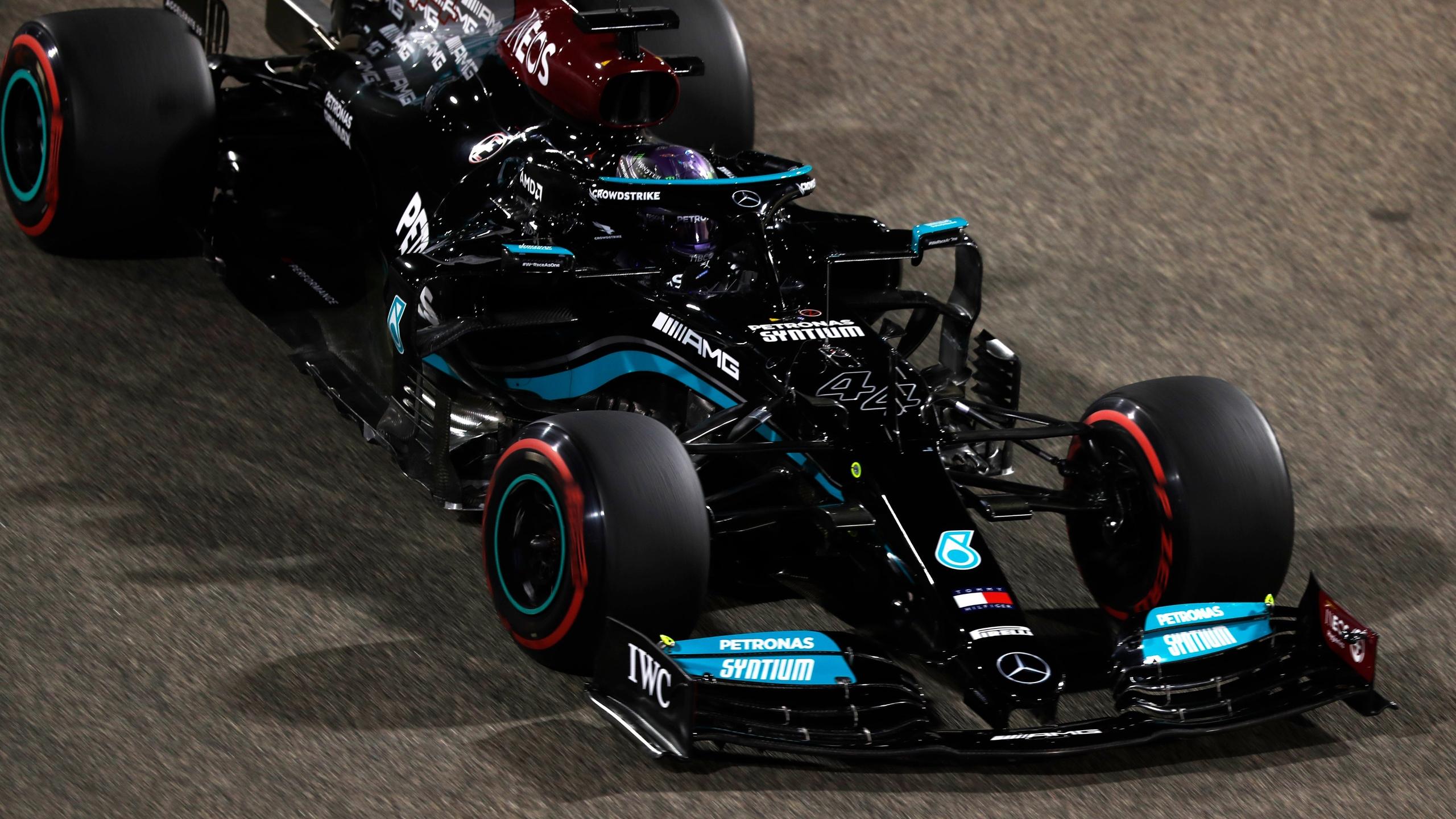 Льюис Хэмилтон возглавил личный зачёт Ф1 2021 после гонки в Бахрейне