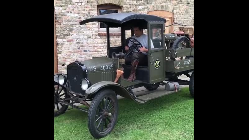 Ford TT pick up truck 1918 with military Harley-Davidson 1918 on the back.