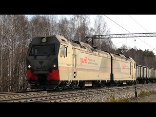 """2ЭС6-337 """"Синара"""" и встречный серый Гранит 2ЭС10-011 с грузовыми поездами встречаются на перегоне"""