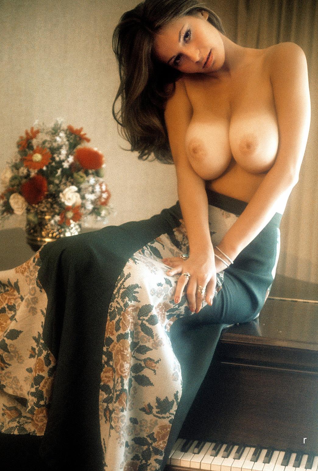 Linda doucett naked hot girls pussy