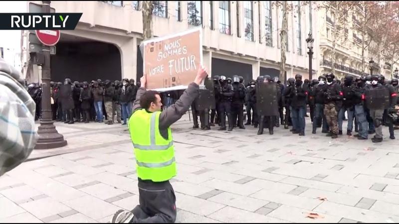 Столкновения с полицией погромы и задержания Франция охвачена протестами