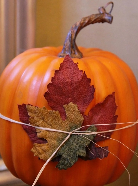 материалы природные, поделки из тыквы, тыква, поделки из природных материалов, своими руками, поделки своими руками, материалы природные, поделки, мастер-класс, идеи поделок, Праздник урожая, поделки на Праздник урожая, Хэллоуин, поделки на Хэллоуин, шкатулки, декорирование тыкв, тыквы декоративные, интерьерный декор, тыквы для интерьера, украшение тыкв, оформление тыкв, декор осенний, для дома, блестки, тыква с блестками, декор из блесток, http://prazdnichnymir.ru/ Тыква с блестками