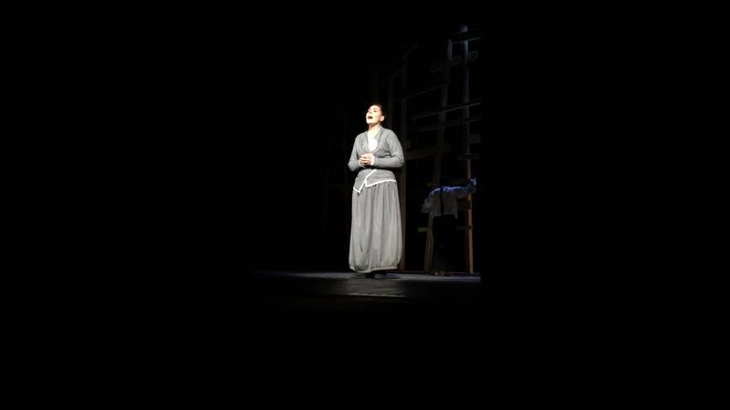 Поёт актриса Наталья Асанкина Фрагмент мюзикла Еврейское счастье