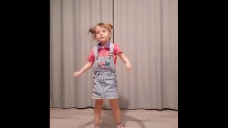 Лучший оригинальный танец МАДОУ 30 г Нефтекамск Республика Башкортостан Валиева Г Р возрастная категория 3 4 лет