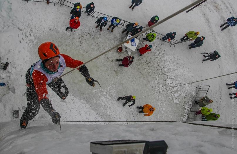 Главные отечественные ледолазные старты сезона финишировали в городе Кирове в минувшие выходные – чемпионат и первенство России по альпинизму. Всем было что доказывать и что терять…, изображение №65