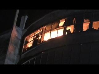 В городе Нараянгандже в Бангладеш горит 7-этажная фабрика