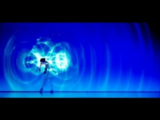 Танец двух танцовщиц со светом, который взорвал интернет
