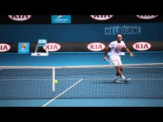 Roger Federer Arrives At Melbourne Park - Australian Open 2013