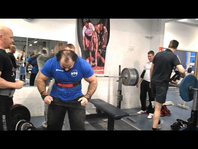 Zahir Khudayarov 240 x 2 time bench press