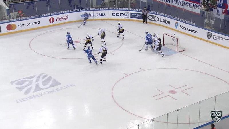 Моменты из матчей КХЛ сезона 1718 • Удаление. Мокшанцев Александр (Лада) за подножку 25.12