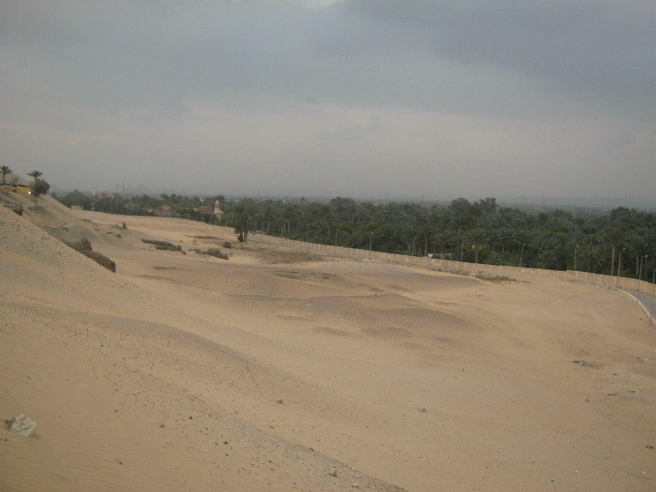 граница между оазисом и пустыней
