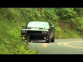 DRIVING $38,495 2015 Dodge Challenger R/T Scat Pack 6.4 Hemi V8 485 hp 650 Nm 0-60 mph 4 s