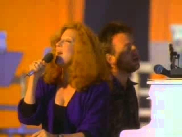 Bette Midler Under The Boardwalk music video