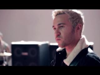 Fall Out Boy - Irresistible (feat. Demi Lovato) (2016) (Pop Rock)