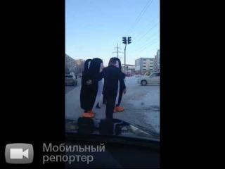 Пингвины на пешеходном переходе в Сургуте