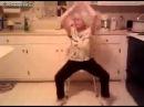 Крутая бабушка танцует / Steep grandmother dancing