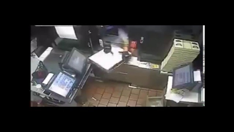 Thief Realizes Size Does Matter,Very stupied