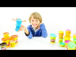 Oyun Diyarı - Arseniy hamurdan adamı yapıyor. Play Doh Oyunları