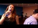 Natalia repeteert voor singstar glamorous tournee