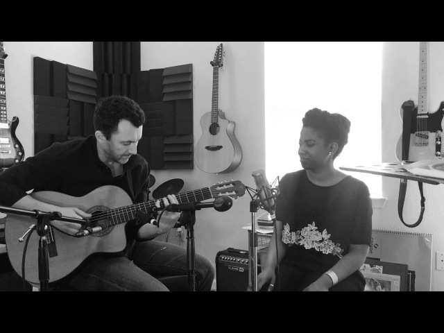 Integriti Reeves sings Maçã by Djavan Featuring Matvei Sigalov on guitar
