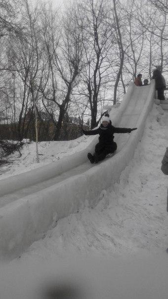 Таня Синенко--Носок: Слобода вражає. Зима. Гірка.Супер.Слобідська гірка :-)