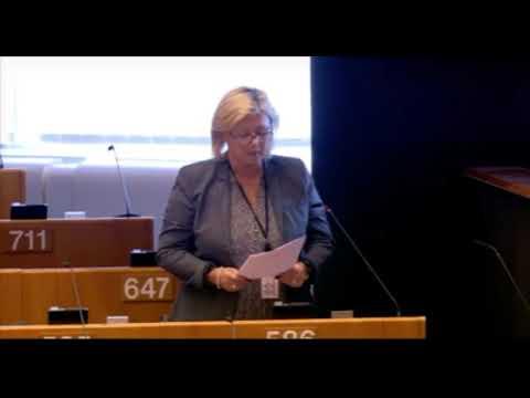 Sylvie Goddyn pour l'interdiction totale de l'expérimentation animale pour les cosmétiques