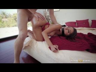 Развлекается с шикарной мамкой (Lela Star hd sex porn tits ass anal порно squirt POV минет насилует инцест куколд чужая русское)