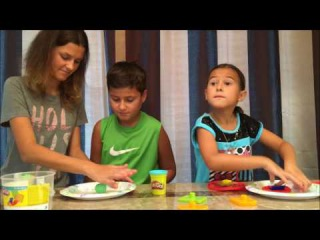 PLAYDOUGH CREATIONS | ARIANA AND DANNY PLAYING