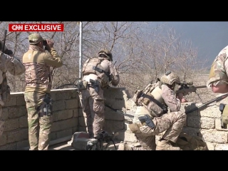 Us soldiers help iraqi troops secure mosul
