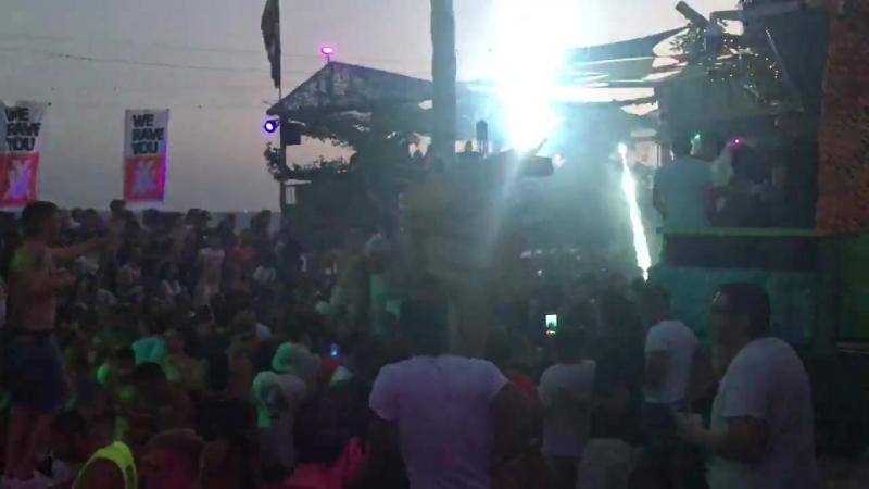 На Кипре, в Лимассоле, находится бар Guaba beach bar, который занял 19-е место в рейтинге лучших клубов мира по версии DJMag 201