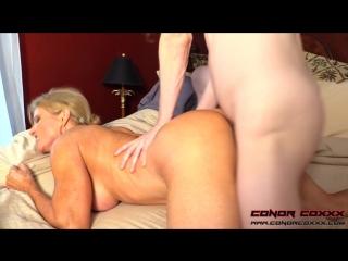 Мамочка умоляет сына выебать её в попку своим большим членом   Amanda Verhooks incest Son Fuck Mommy Ass anal инцест анал мама