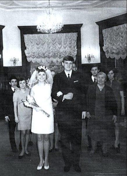 принесли свадьба пугачевой и орбакаса фото рогами для