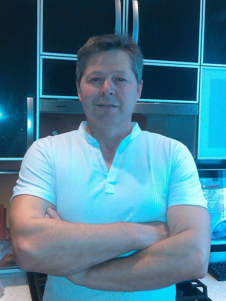 Vyacheslav, 55, Kirishi