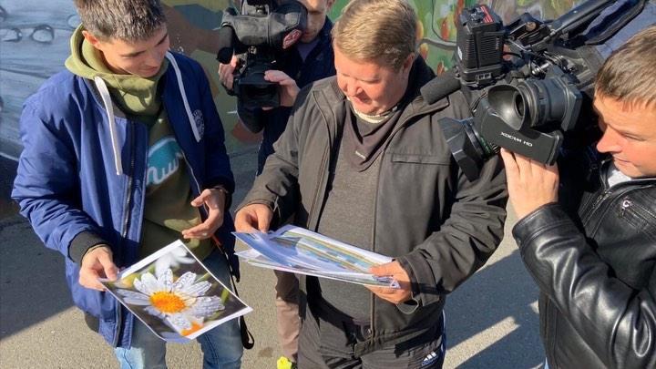 Антенна 7 on Instagram: Живописная стена у Континента обновится ! Художники нанесут новые изображения ! Что появится там через месяц узнаём уже сегодня из