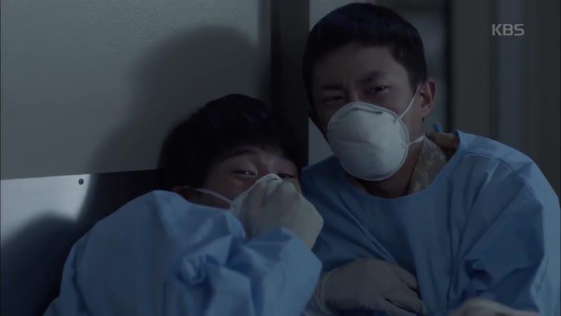 태양의 후예 - 온유, 조재윤에 팔 물려 '감염 위험'.20160330