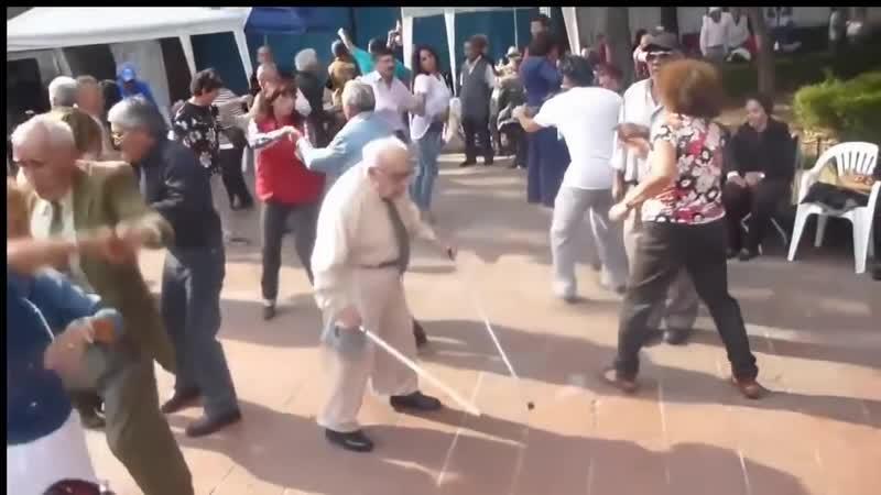 Chubby Checker Lets Twist Again Don Saúl Viejito Bailando EqHQ